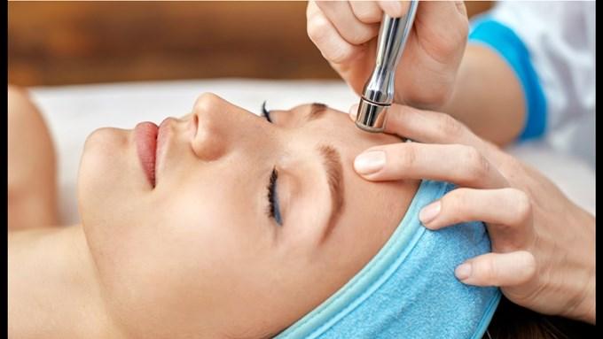 Косметическое лечение выпадения бровей