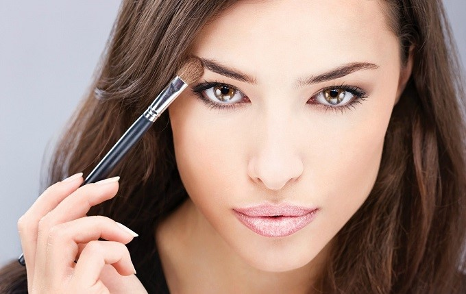 Implementação perfeita de idéias de maquiagem à noite
