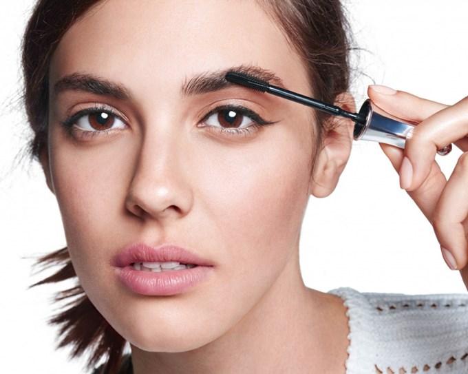 Почему выпадают брови и какими могут быть осложнения