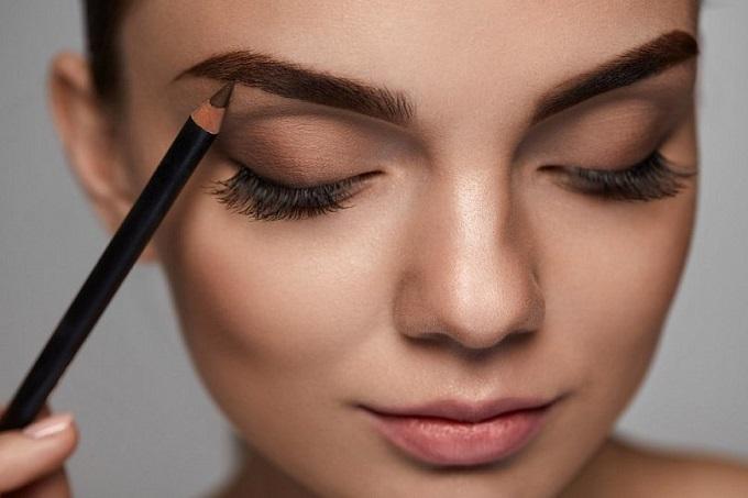 Maquiagem sobrancelha